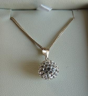Photo Autumn_Jewellery_Pendant and chain